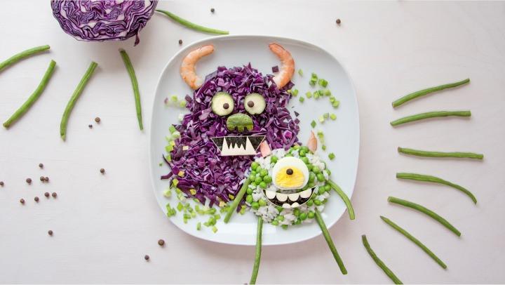 Оформляем обед для ребенка. Корпорация монстров.