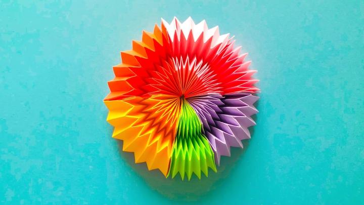Игрушка из бумаги «Бесконечная радуга»