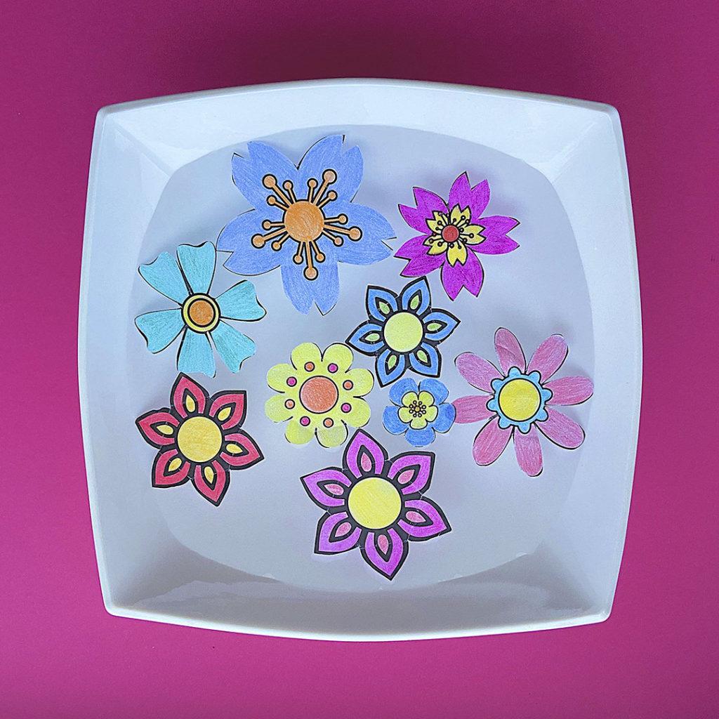 Шаблон «Цветы на воде»
